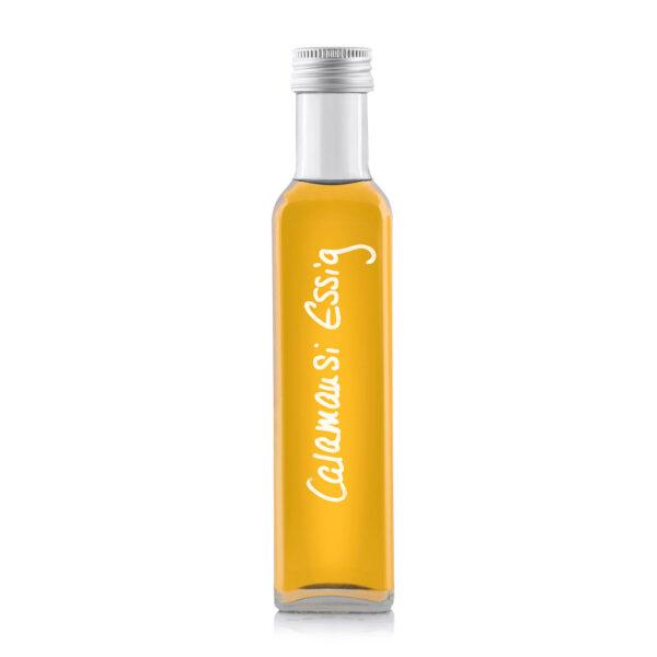 Calamansi Essigzubereitung in der Mariska Flasche frisch abgefüllt ...